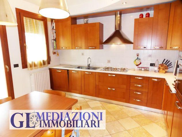 Appartamento su due livelli Rif GL349