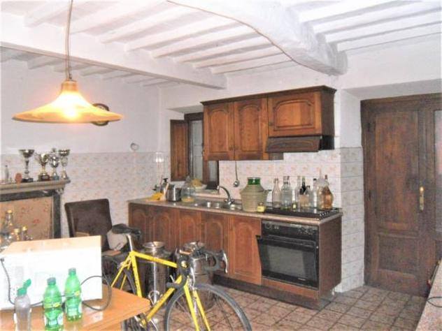 Casa singola in vendita a MASSA MACINAIA – Capannori 160 mq