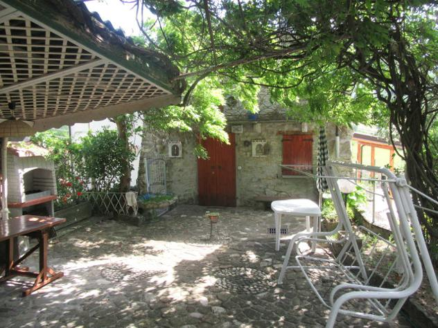 Terratetto in vendita a Varano de' Melegari