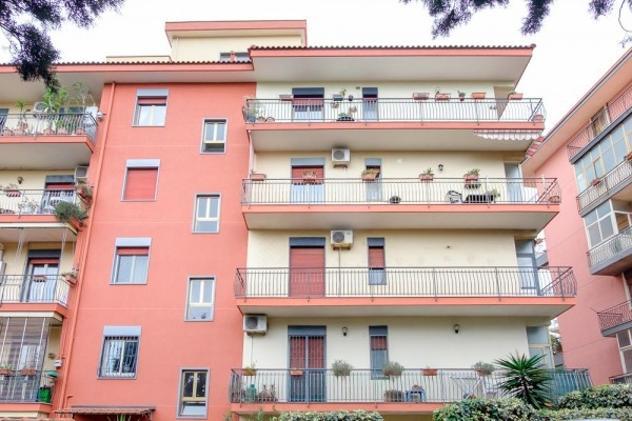 Appartamento di 130 m² con 5 locali e box auto in