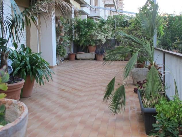 Appartamento di 145 m² con 5 locali in vendita a Palermo