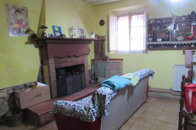 Casa singola in vendita a QUIESA – Massarosa 200 mq Rif: