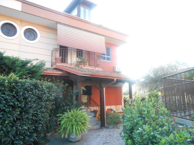RifITI 013-SU26640 – Villetta bifamiliare in Vendita a Giugliano in Campania