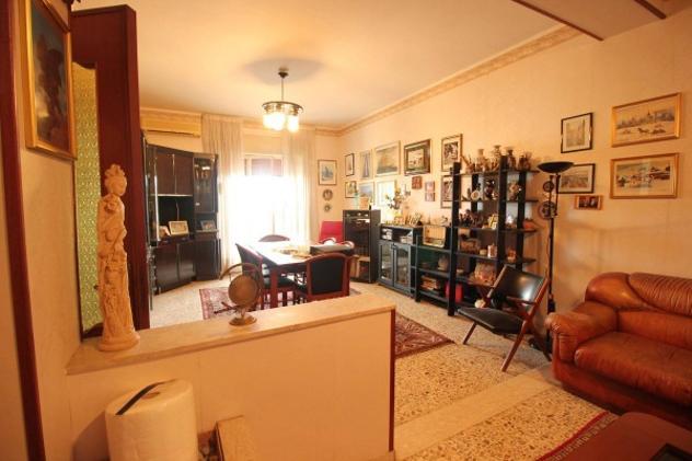 Appartamento di 110 m² con 4 locali in vendita a Catania