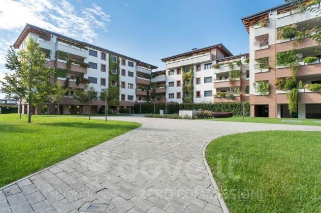 Appartamento di 106 m² con 4 locali e box auto in