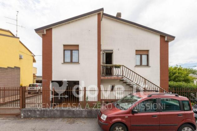 Casa indipendente di 200 m² con più di 5 locali