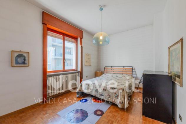 Appartamento di 190 m² con 4 locali e box auto in