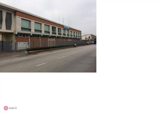 Palazzo di 2292mq in Via San Silvestro 18 -20