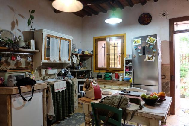 Terratetto in vendita a Pistoia 200 mq Rif: 978006