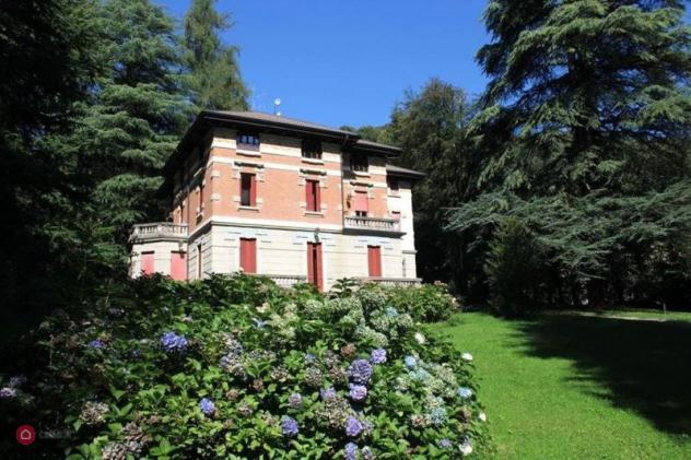 Villa di 750mq in Viale Guglielmo Poletti 1 a Alta Valle