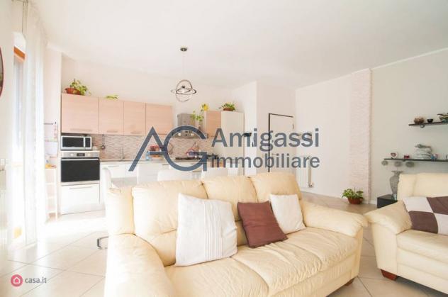 Appartamento di 100mq in Via Piemonte a Alzano Lombardo