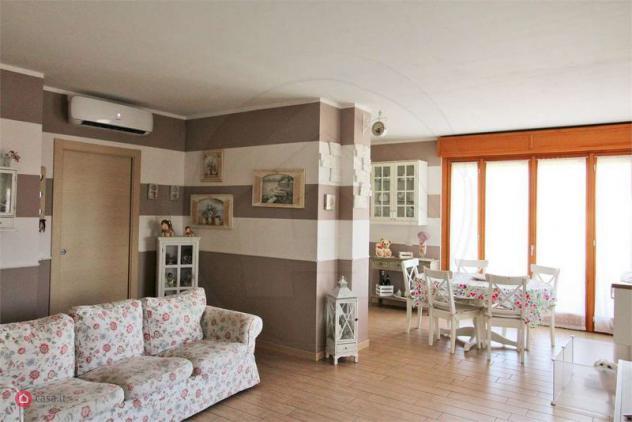 Appartamento di 120mq in Via Pastrengo 5 a Desio