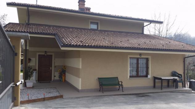 Villa di 150 m² con più di 5 locali e box
