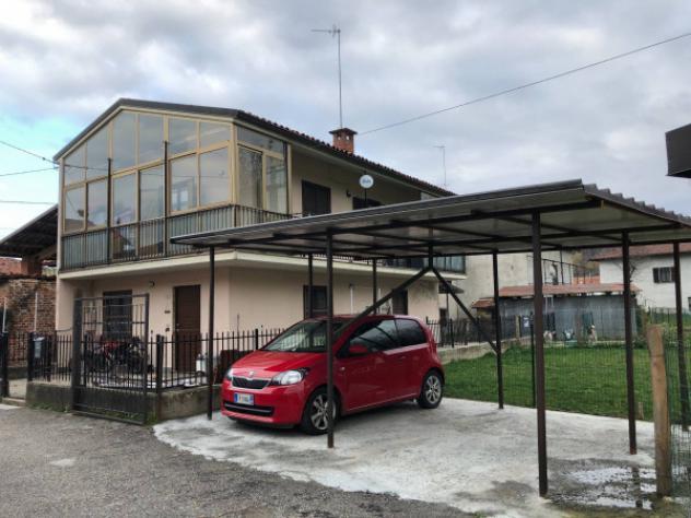 Casa indipendente di 125 m² con 5 locali e box auto