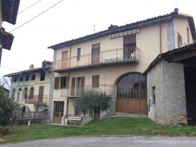 Casa indipendente di 253 m² con più di 5 locali