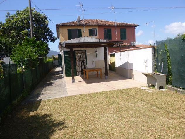 A357 Castelnuovo Magra Semi indipendente con giardino