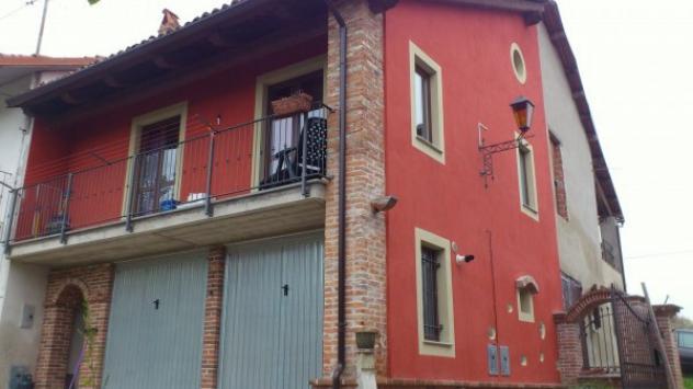 Casa indipendente di 60 m² con 3 locali e box auto