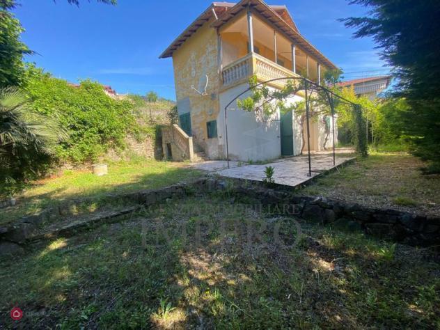 Villa di 120mq in via Dante Alighieri 8 a Dolceacqua