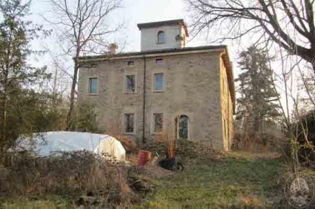 Porzione di casa in vendita a Traversetolo