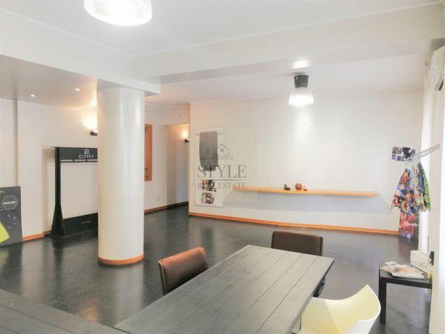 Appartamento in vendita studio abitazione o investimento zona Teocrito Siracusa