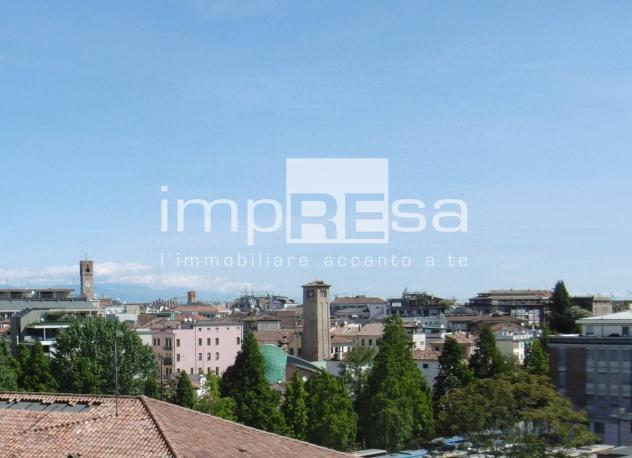 RifI/ASJ036 – Attico / Mansarda in Vendita a Treviso – Centro storico di