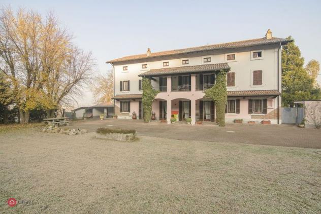 Casa indipendente di 600mq in Via Borgo 5 a Cigognola
