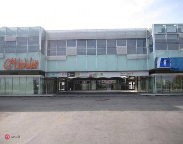 Palazzo di 278mq in Via Marco Emilio Lepido 217