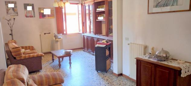 Appartamento in vendita a Cascina 100 mq Rif: 992516