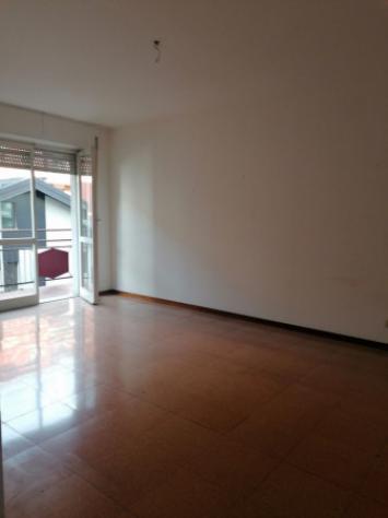 Appartamento di 95 m² con 4 locali e box auto in